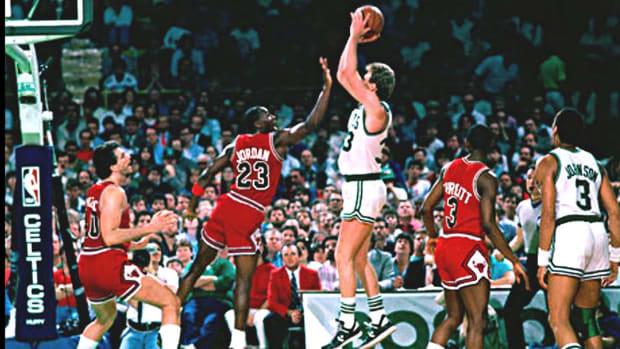 Larry Bird Dominated Michael Jordan In The Post, Scoring 6 Points In 3 Straight Possessions In 1987 Bulls vs. Celtics Game