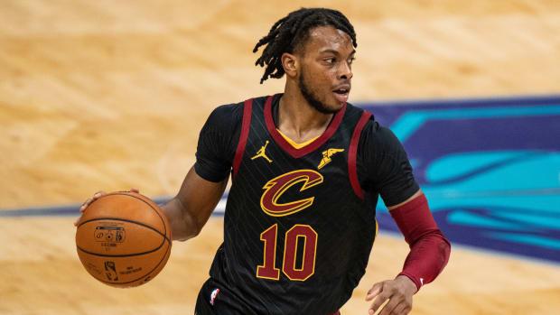 Darius Garland dribbling a basketball