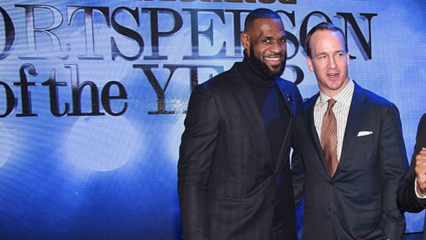 """Peyton Manning Says He's """"Throwing 75 Touchdowns"""" To LeBron James If He Had Played Football With Him"""