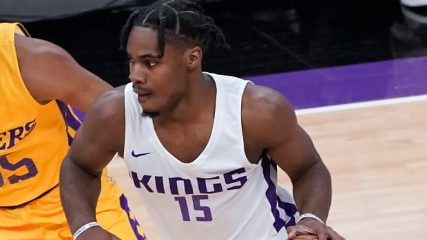 De'Aaron Fox Says Rookie Davion Mitchell Is A Top-5 Best On-Ball Defender In The NBA