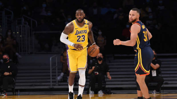 """Stephen Curry Lauds LeBron James' Longevity: """"He Set The Standard For That... Nine Straight Finals, All The Things That He's Accomplished."""""""