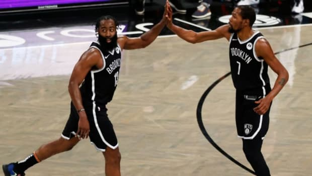 """Charles Oakley Says The Nets Can Still Win The Title If Kyrie Irving Missing Half The Season: """"They Still Have Two Of The Top Five Best Players In The League."""""""