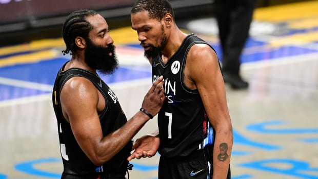 """Kevin Durant Disagrees With James Harden And Steve Nash On NBA's Foul Rule Change: """"I Don't Think Rule Changes Are Affecting Anyone's Game, To Be Honest."""""""