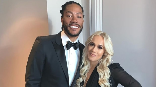 """Derrick Rose Gets Engaged At Madison Square Garden- """"I Will Always Love You..."""""""