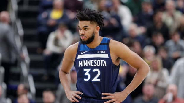 """Karl-Anthony Towns' Reaction To Kyrie Irving's Situation: """"The Only Thing I Would Say Is Just Don't Give Me A B******t Excuse Why You Don't Get The Vaccine. You Don't Want To Do It, That's Your Choice"""""""