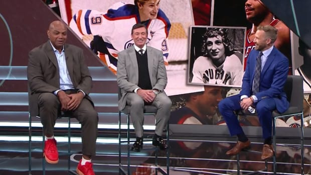 """Charles Barkley Goes Viral After Trolling Wayne Gretzky: """"You Lost A Fight To A Guy In A Perm?"""""""
