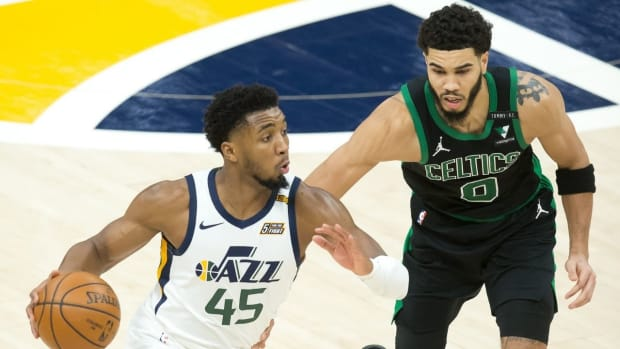 """Donovan Mitchell Troll Jayson Tatum After Picture Shows Him Getting Stronger: """"And Just Like That You Will Be Drug Tested Tomorrow"""""""