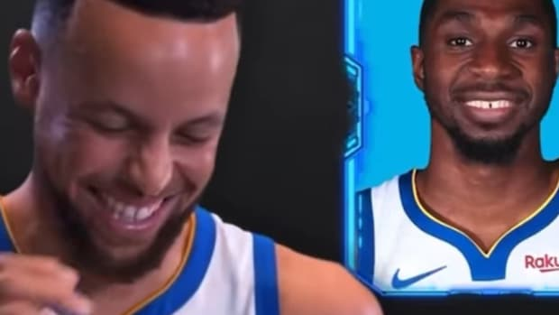 """Stephen Curry's Epic Reaction To Warriors Players' Faces Mixed: """"Steph's Laugh Is Contagious"""""""