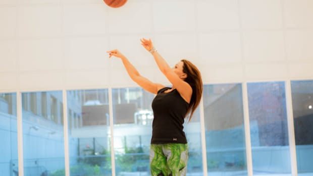 """Lisa Ann Says She Is Ready For The NBA: """"Just In Case The NBA Calls, Been Doing Some Real Work On My Jumper."""""""