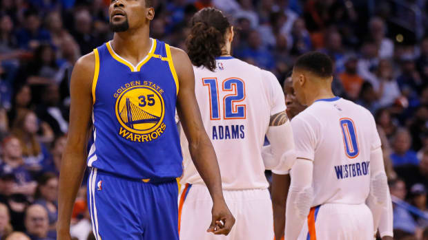 """Draymond Green Recalls Kevin Durant's First Game Back In OKC With Warriors: """"Man, We Were Walking In The Hotel At 4 AM With Police Security. That's Crazy. We Were On SportsCenter Live Walking Into The Hotel At 4 AM."""""""