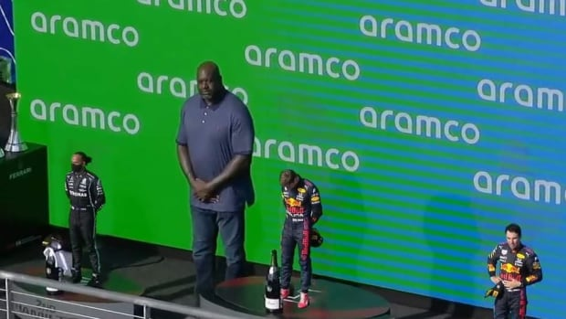F1 Drivers Look Really Tiny Next To Shaquille O'Neal On The Podium