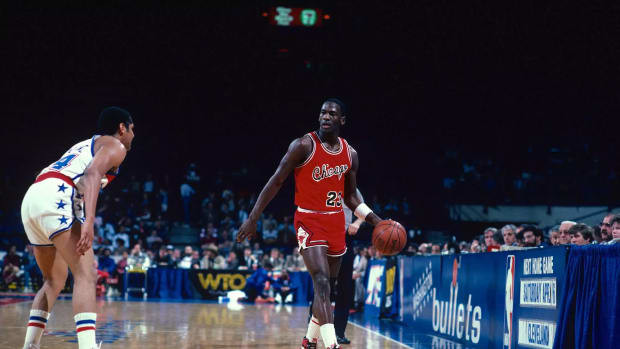 """Michael Jordan On The Transition From College Game To The NBA After His First Game: """"It's Been Pretty Easy."""""""
