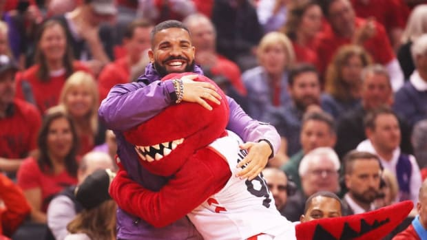 Drake Takes A Hilarious Shot At The Warriors After Huge Win