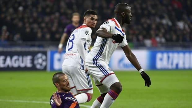 Tottenham, Manchester United Engaged In Talks Over Lyon Midfielder