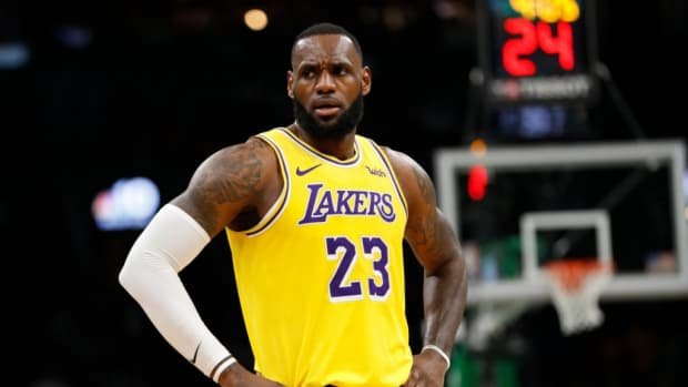 """Donald Trump Takes A Big Shot At LeBron James: """"LeBron Is A Spokesman For The Democratic Party And A Very Nasty Spokesman"""""""