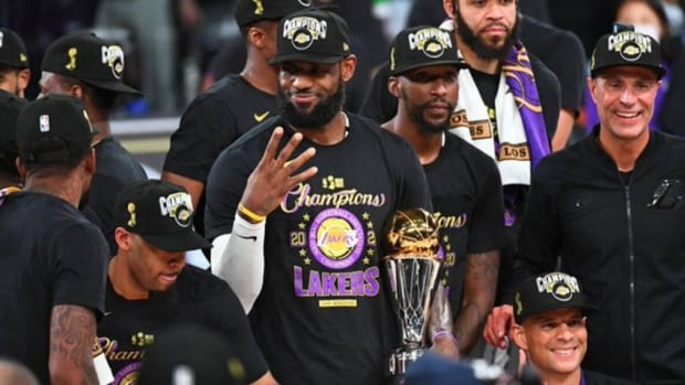 "Shaq O'Neal Explains How LeBron James Can Become The GOAT: ""I Think LeBron Is Looking To Tie Kobe And Tie Jordan With championships. If He Tied Mike, I Think People Will Probably Lean A Little Bit More Towards LeBron Being The Best Player In The World."""