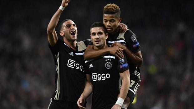 Transfer Rumors: Manchester United Submit €50 Million Offer For Ajax Star