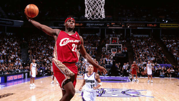 lebron-james-first-game