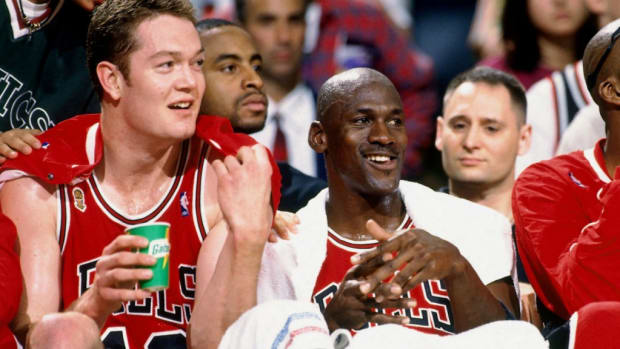 """Michael Jordan Says He Would Include Luc Longley If He Could Go Back And Change The Last Dance: """"If I Look Back And Could Change Anything, That's Probably What I Would Have Changed"""""""