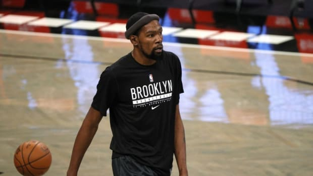 """Steve Nash On Kevin Durant's Level Ahead Of The Season: """"He's In The 90%, For Sure. Whether It's 90 Or 99, I Don't Know, But I Keep Trying To Tell Him That He's Got To Give Himself 15, 20 Games Before He Starts Judging Himself."""""""