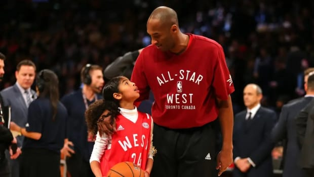 Vanessa Bryant Changes Instagram Profile Picture To Kobe And Gianna