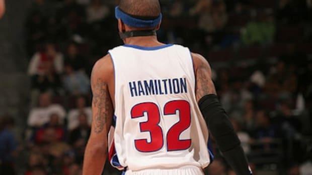 21-richard-hamilton-misspelled-jersey