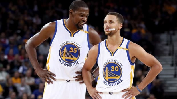Steph Curry Found Out Kevin Durant Was Leaving While Mid-Flight To New York