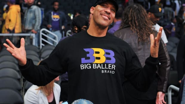 Lavar Ball's Big Baller Brand Now Selling T-Shirts For $5 At Local Gyms