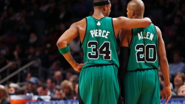 """Paul Pierce And Ray Allen Appear To Squash Their Beef At 2021 Hall Of Fame Ceremony: """"We're Always Going To Be Brothers"""""""