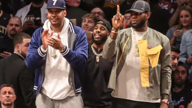 """Carmelo Anthony Recalls How LeBron James Saved His Life: """"He's Swimming With The Other Arm And He Carrying Me With One"""""""
