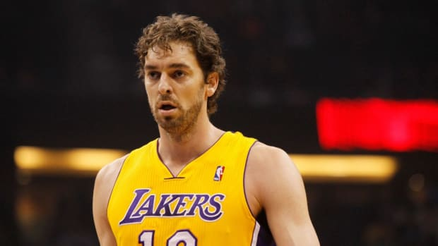 41-Year-Old Pau Gasol Turns Back The Clock To His LA Laker Days Against Team USA