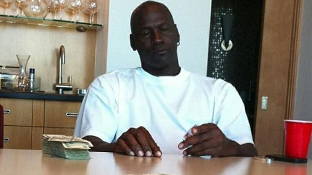 'Michael Jordan Canceled His Press Conference About His Return To The NBA Because They Were Up Playing Spades For 36 Hours Straight. They Were Down $900,000 At One Point,' Says Antoine Walker