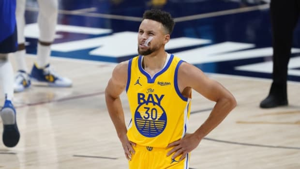 """Bob Meyers Explains Why Steph Curry Didn't Sign An Extension: """"No Hard Conversation. It Was Just, 'Hey, Let's Talk About It At The End Of The Year.'"""
