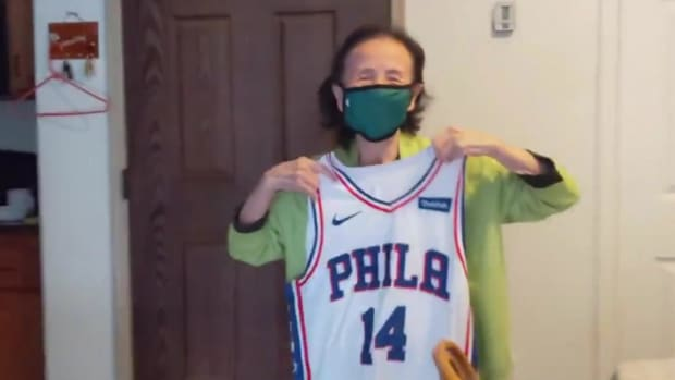 Danny Green Sent A Signed Jersey To A 94-Year-Old Grandma Who Picked Him As Her Favorite Sixer