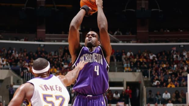"""Chris Webber On Game 6 Of 2002 WCF vs. Lakers: """"We Got Cheated That Game"""""""