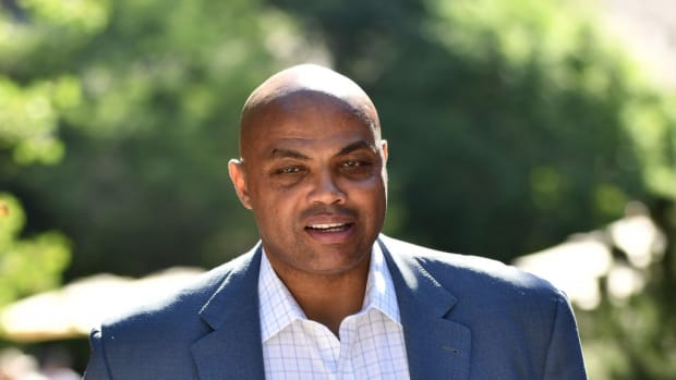 """Ex-Clippers Announcer Takes A Shot At Charles Barkley: """"Fact Is, Clippers Have Won Exactly The Same Number Of NBA Titles As Chas."""""""