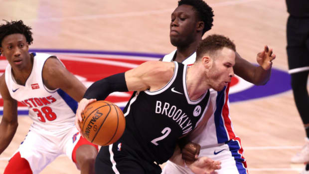 Detroit Pistons' Twitter Account Took A Shot At Blake Griffin And Quickly Deleted The Tweet