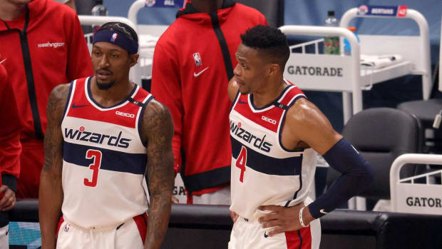 """Lakers Coach Frank Vogel Gives Huge Compliment To Wizards- """"They Play Like A 50-Win Team."""""""