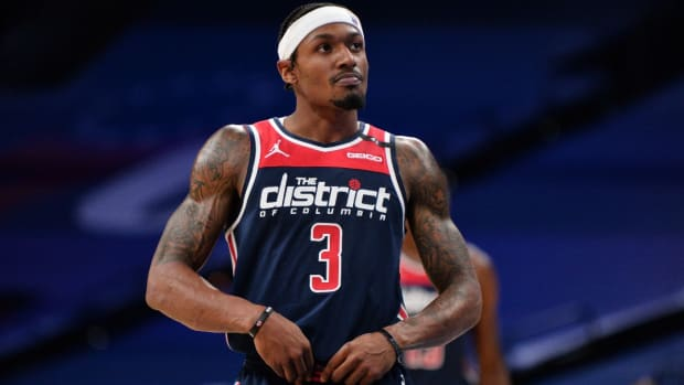 """Bradley Beal Fires Back At Kent Bazemore- """"You Don't Know Me Or Sh*t About Me Bruh!"""""""