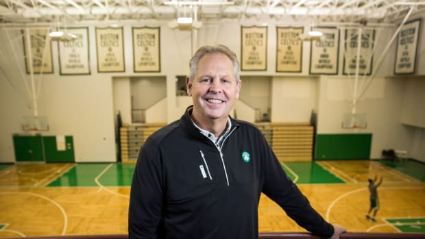 "Charles Barkley Blames Danny Ainge For Celtics Struggles- ""He's Not Done A Good Job..."""