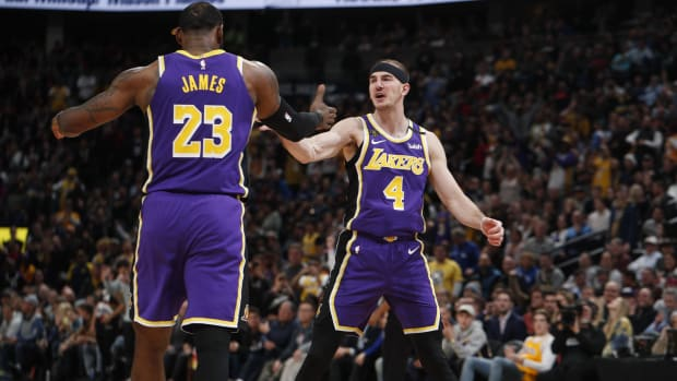 """The Reason Why Alex Caruso Will Stay With The Lakers- """"To Compete Alongside LeBron James..."""""""