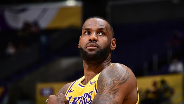 """Magic Johnson On LeBron James- """"He's Got One More Year To Be The Man."""""""
