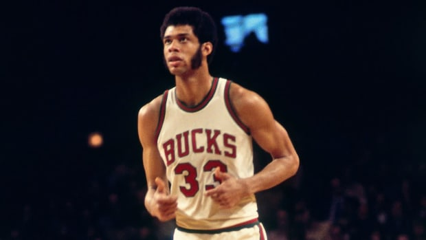 """Kareem Abdul-Jabbar Sends Message To Bucks Before Game 1- """"I'm Thrilled Milwaukee Is In The Finals..."""""""
