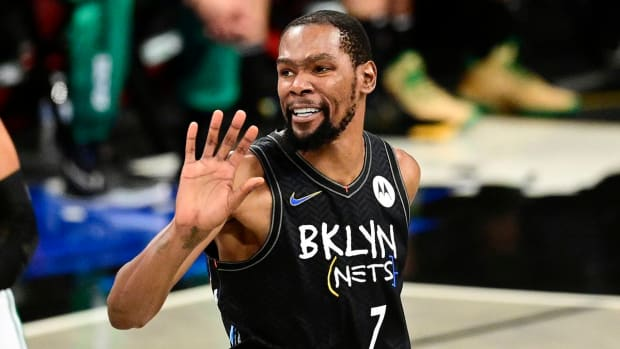 """Kevin Durant Smokes A Lot Of Weed, According to Actor Matt Sullivan- """"He Smokes Even More Than You Think."""""""
