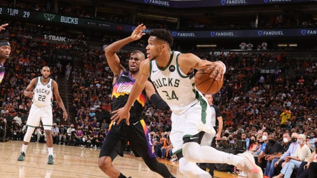 """Chris Paul On How To Slow Down Giannis Antetokounmpo- """"We Have To Build A Wall."""""""