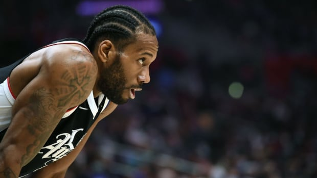 Breaking- Kawhi Leonard Gets Surgery For Torn ACL, Could Be Gone For Up To Nine Months