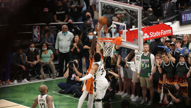 """Damian Lillard, Draymond Green And More Players React To Incredible Giannis Antetokounmpo Block: """"That Block Might Give The Bucks The Championship"""""""