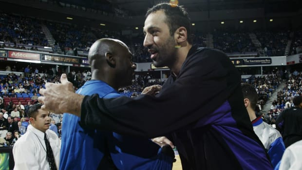 Vlade Divac Says Michael Jordan Would Average 80 Points In Today's NBA