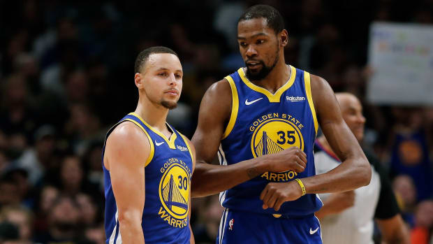 """Kevin Durant Flames Fan Who Says He Was Jealous Of Steph Curry- """"Beyond Laughable..."""""""