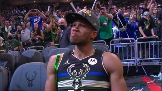 """Giannis Antetokounmpo Shares Message Of Hope With World After First NBA Championship: """"My Mom Was Selling Stuff In The Street And Now I'm Sitting Here At The Top Of The Top"""""""